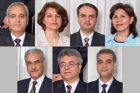 (v.l.n.r.) Behrouz Tavakkoli, Fariba Kamalabadi, Vahid Tizfahm und Mahvash Sabet. Unten: Jamaloddin Khanjani, Saeid Rezaie and Afif Naeimi.