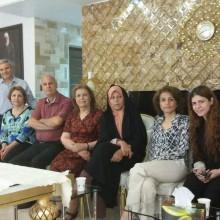 Faezeh Hashemi Rafsanjani (Mitte links) besucht Fariba Kamalabadi (Mitte rechts) während ihres fünftägigen Hafturlaubs